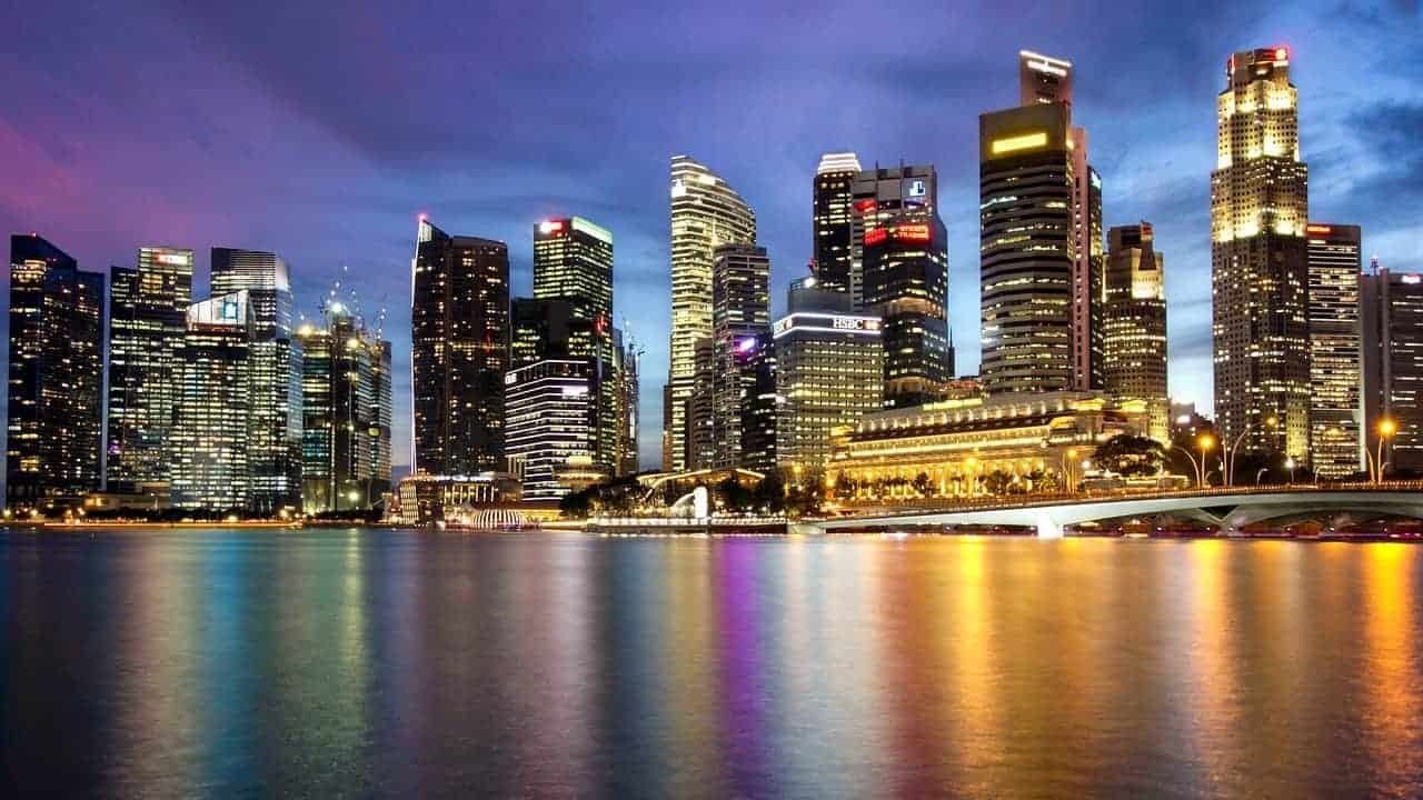 Why and How Electricity Prices Change in Singapore?