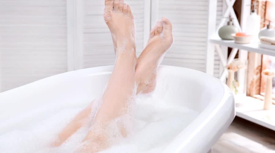 5 Health benefits of taking bath in Bathtub