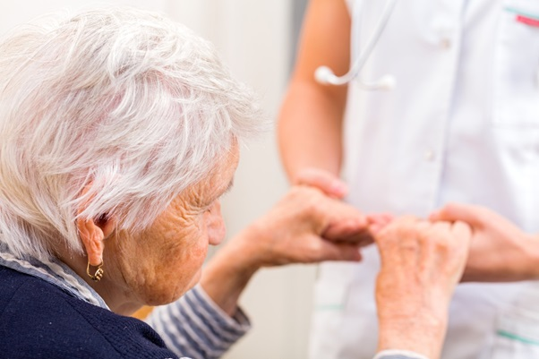 5 Factors to Consider When Picking Assisted Living Communities