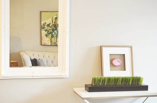 What Are The Benefits of Buying Custom Frames Online?