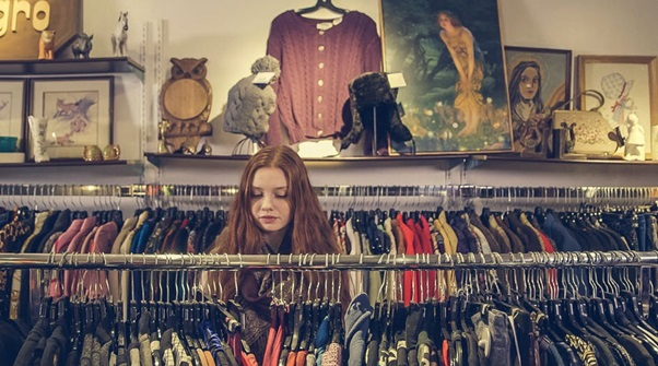 5 Best Places to Thrift Shop Online