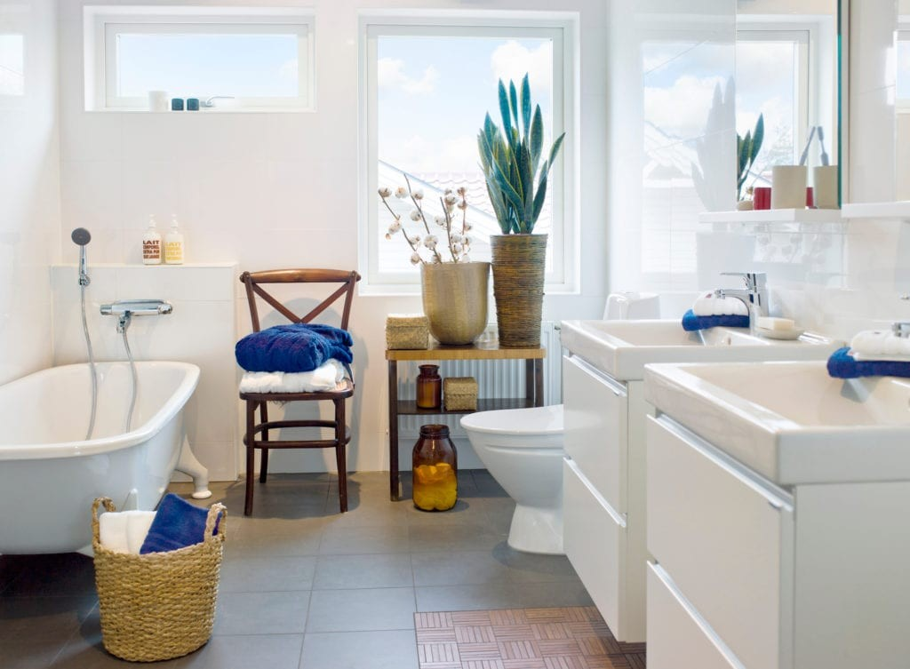 Essential Décor Accessories for a Functional Bathroom