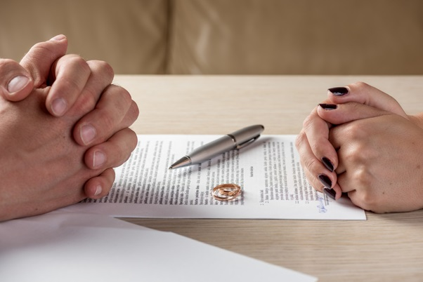 What to Look For When Hiring a Divorce Attorney