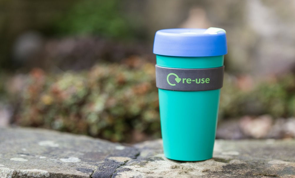 4 ADVANTAGES OF SWITCHING TO REUSABLE COFFEE CUPS