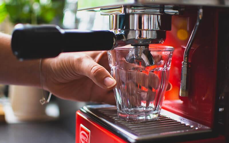 How Do You Use DeLonghi ECP 3420 Pump Espresso?