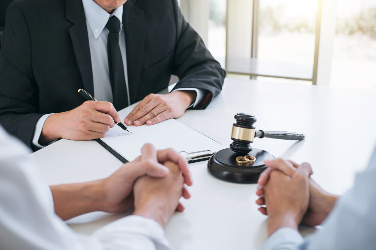 When could you hire the Services of an Uncontested Divorce Lawyer?